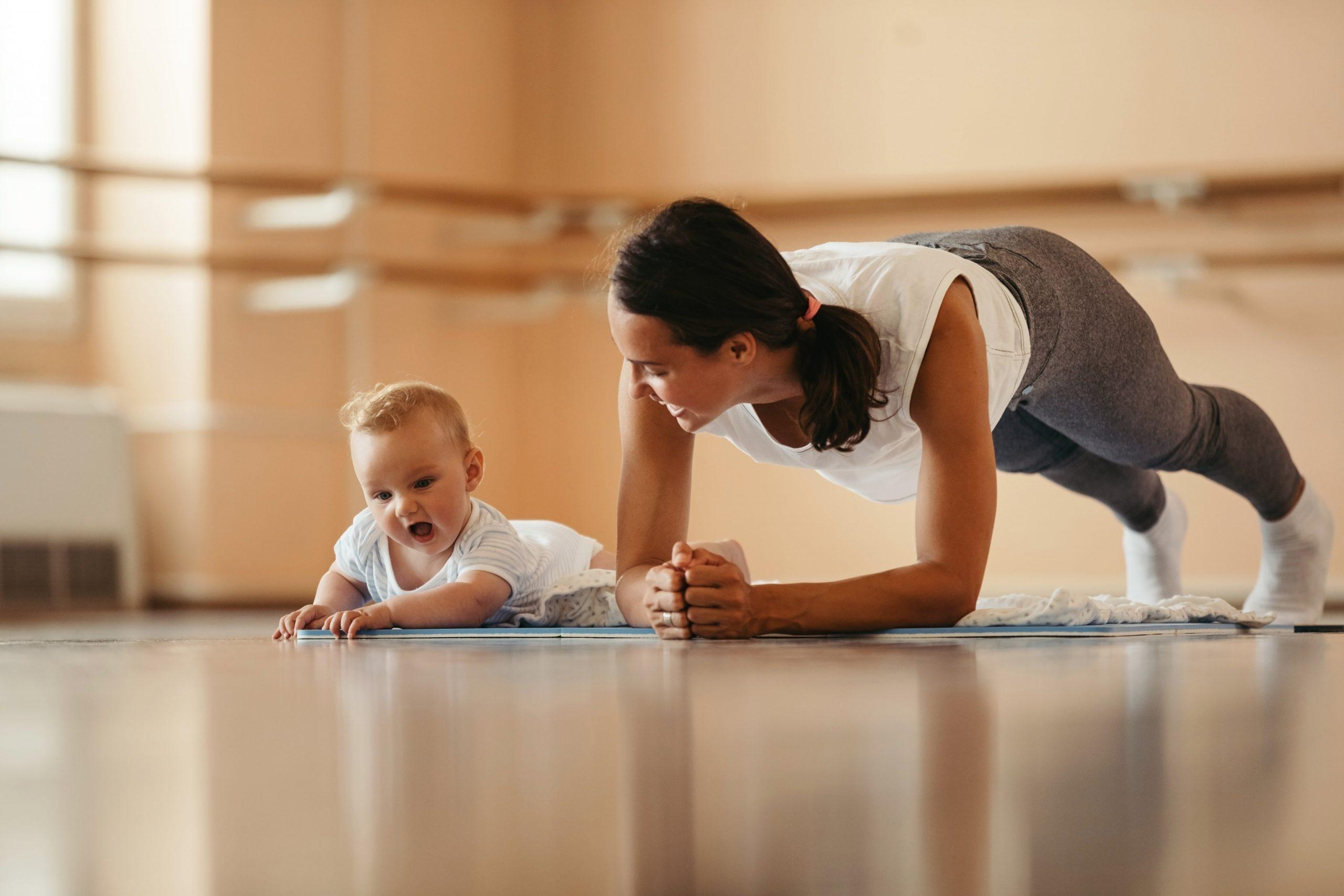 Cvičení kojenců a batolat